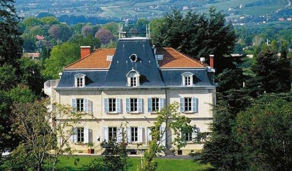 La vie de château Lyon - St-Germain  au Mont d'Or Cloclo + équitation + déjeuner croisière